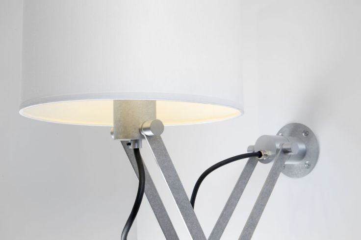 Our classic Nomad is an example of lighting at its most refined and versatile. If you wish to make the industrial look a little more homely, simply choose Nomad minimal and enhance the luminaire with a shade. Available in two sizes, four colours and with three animal prints. Nomad minimal desk is your decorative companion and is an example of lighting at its most refined and versatile.Together with a LED E27 luminaire you create the perfect warmth in the interior. #nomadminimal #supermodular