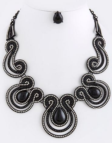 Cleo: Curvy Metal Necklace & Earring Set