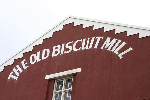 If you have'nt been, you should def.  visit The Old Biscuit Mill in CT.  Hundreds of vendors and shops- with a good variety of food, clothes, art and more, to choose from.  If you are a foodie, like I am,  you wil loooove it.