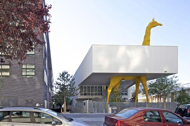 Детский сад-жираф от французских архитекторов