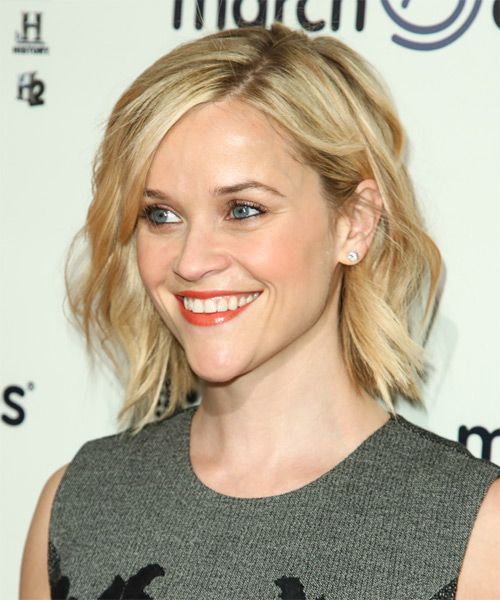 Reese Witherspoon Hairstyle - Casual Short Wavy. Click on the image to try on this hairstyle and view styling steps!