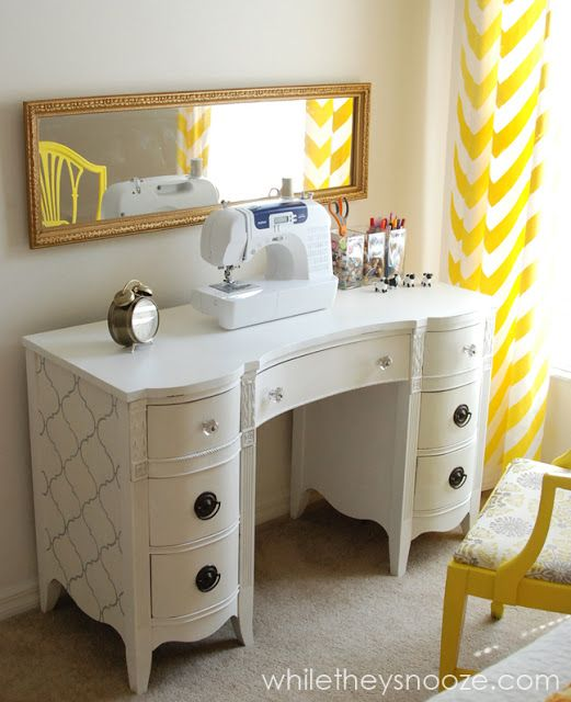 If only I could find a desk like that to upcycle for my sewing space. The hunt is on!!
