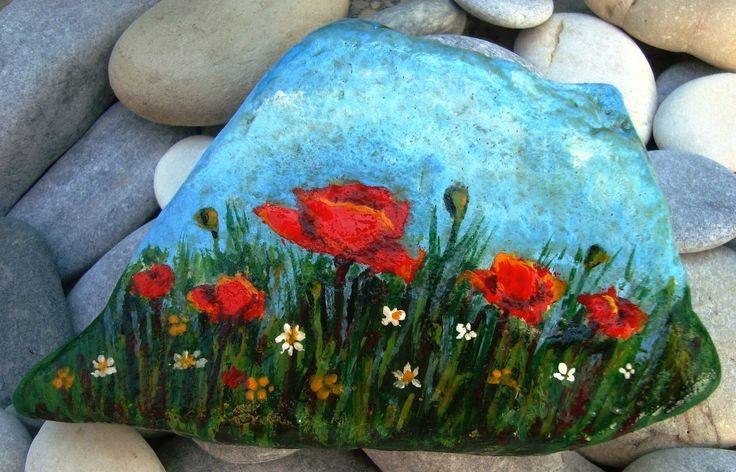 poppy - Painted stone!