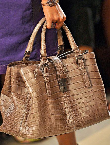 Fashion Week Handbags: Bottega Veneta Spring 2012