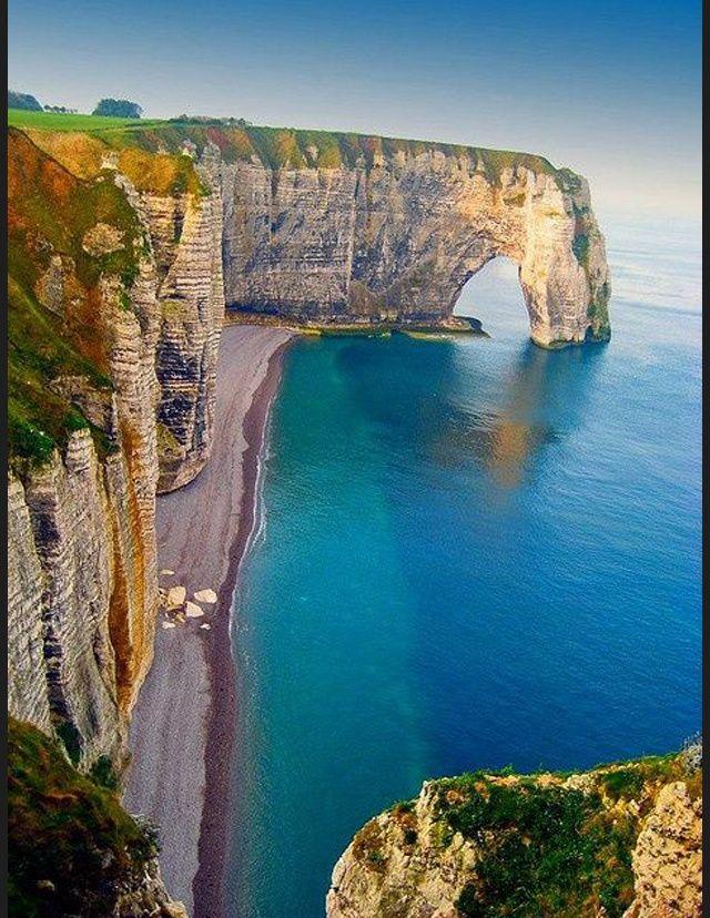 Les destinations les plus spectaculaires du monde - Etretat Haute Normandie France