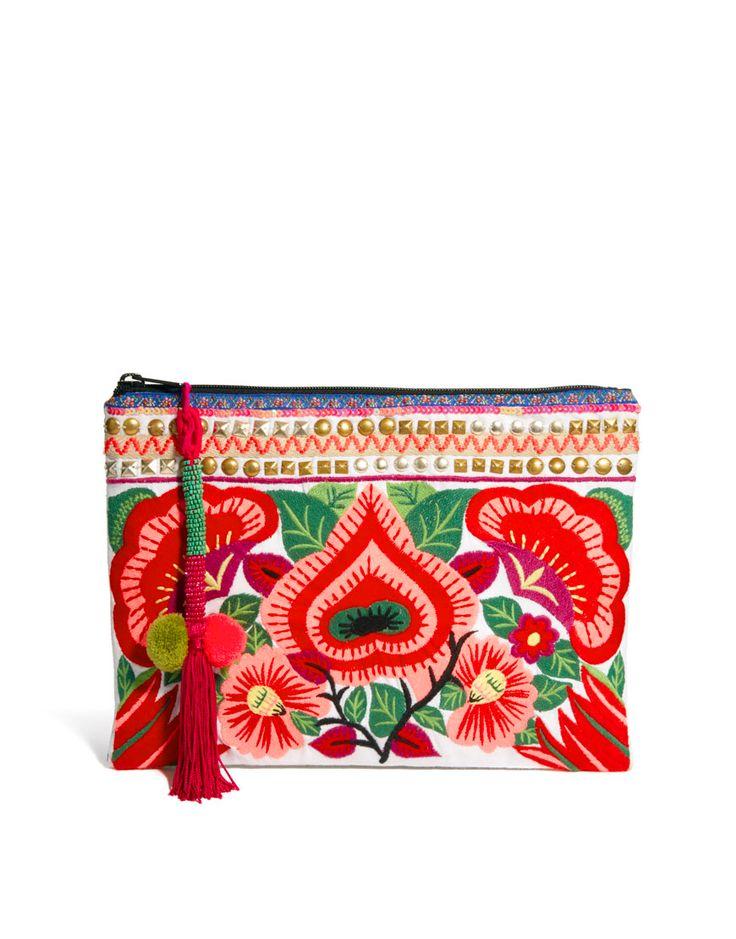 Clutch Bag With Floral Embroidery style mexicain : trousses en fleur brodées colorées