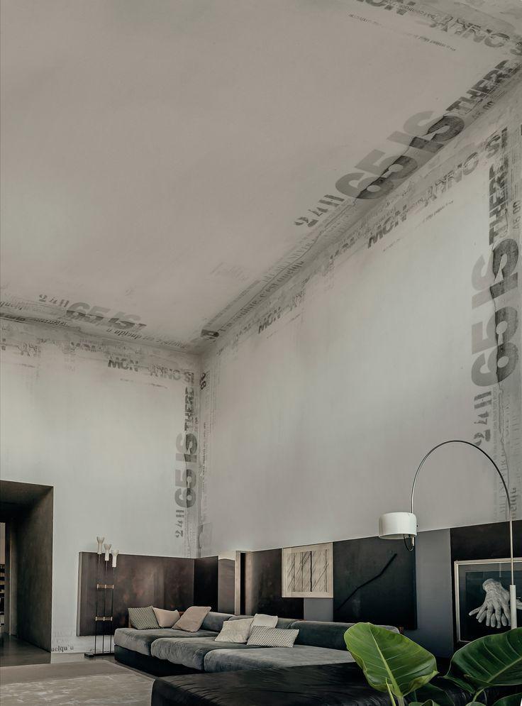 Carta da parati con scritte ONLY NOW by Wall&decò design Draga Obradovic, Aurel K. Basedow