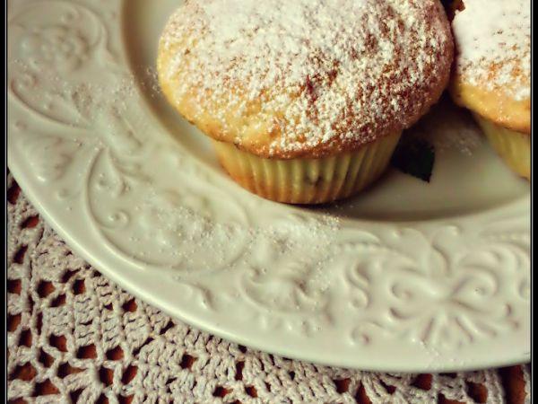 MUFFIN ALLA PANNA. Scopri la ricetta qui ------> http://www.petitchef.it/ricette/dessert/muffin-alla-panna-fid-1528974