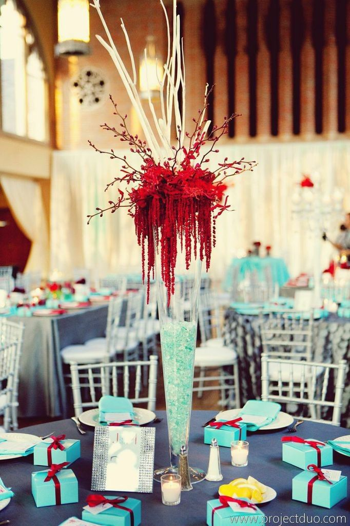 We love that Jennifer and Marcus weren't afraid to have a little fun on their special day. This Atlanta wedding fromLemiga Eventsfeatures a cool tiffany blue and cranberry red color schemewith subtle accents of silver. From the escort cards hanging on cutelittle Coke bottles to the delicious Krispy Kreme wedding favors, this adorable couple definitely […]