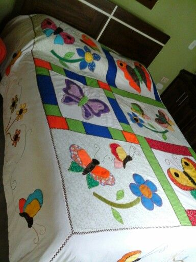 Tendido en patchwork bordado a  mano