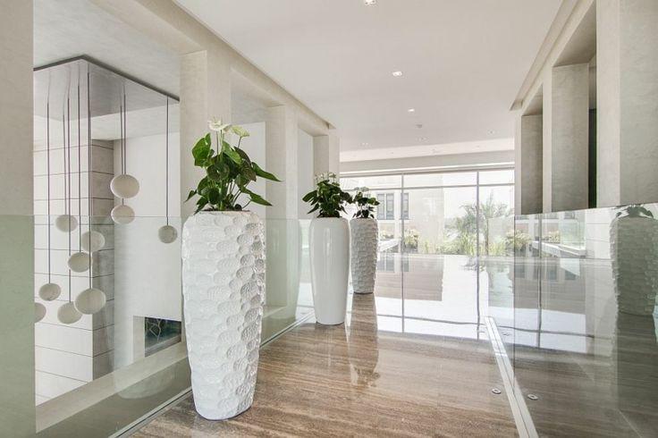 Best 25 grand vase deco ideas on pinterest centres de for Idee deco pour grand vase en verre