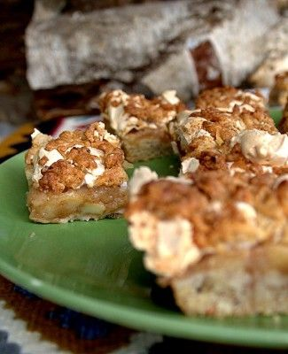 recept äppelkaka med hasselnötter