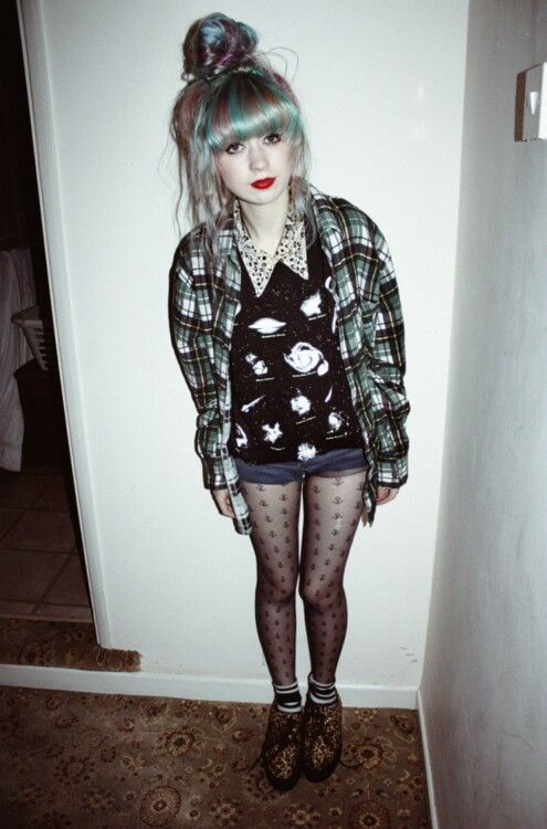 Grunge fashion I love u can jst put anything u want together and it looks amazing , love this xx