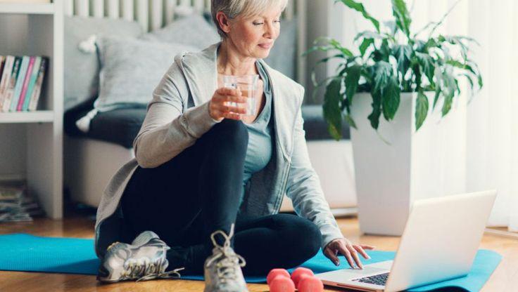 Heeft u geen zin om naar de sportschool te gaan? Of heeft u weinig tijd? Doe dan deze korte, maar zeer effectieve thuis-workout.