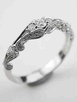 Vintage ring. This would match my wedding band perfectly! Love it.
