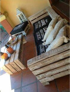 Sillon + sillon individual y mesa hecho con pallets reciclados Consultar precio por almohadones