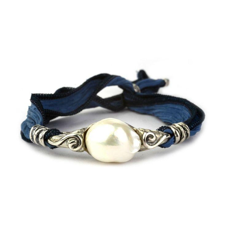 Pulsera de perla sobre plata y seda Labruixeta