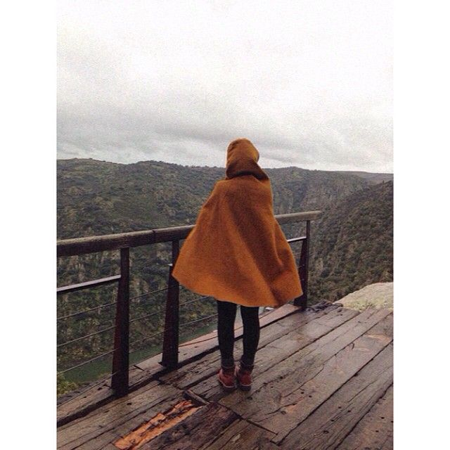 Dona capucha blown-up by the winds of Autumn! #acapucha #capucha #cape #poncho…
