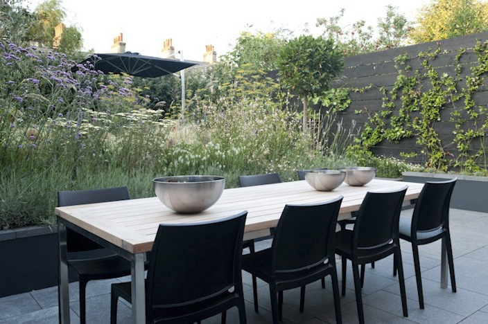 raised, loose planting for a perfect privacy screen - buckleydesignassociates