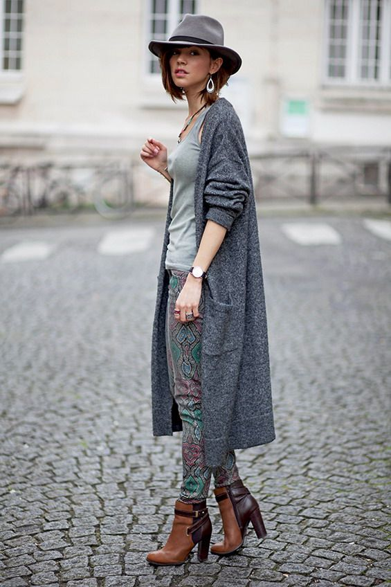 From the Parisian blogger Zoé! #casualclothing #weartowork #streetstyle…