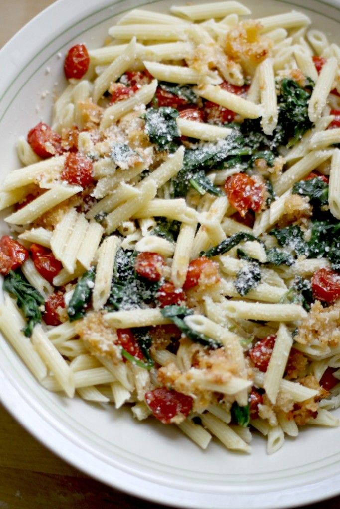 Delicious Vegetarian Pasta With Roasted Tomatoes and Spinach | Love of Home