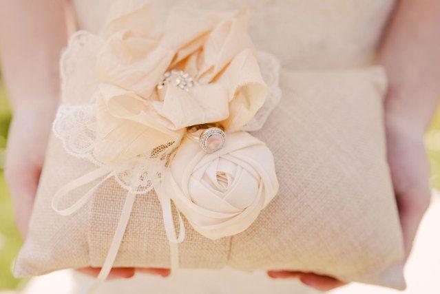 #trouwring #trouwringen #ringen #verloving #trouwen #bruiloft #inspiratie #wedding #engagement #ring #inspiration   Photography: Sanne Popijus Fotografie   ThePerfectWedding.nl