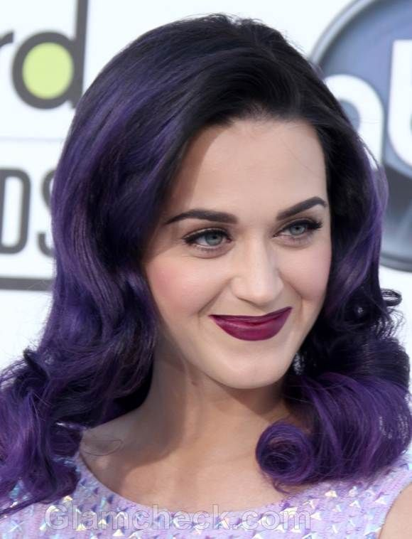Katy Perry's violet hair - very Gothic glam! Lookin' a lot like MANIC PANIC dye in a mix of Purple Haze and After Midnight. http://www.manicpanic.biz/store/c/85-Classic-High-Voltage-Cream-Formula-Hair-Color.aspx