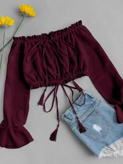 Cropped com manga e shortinho jeans