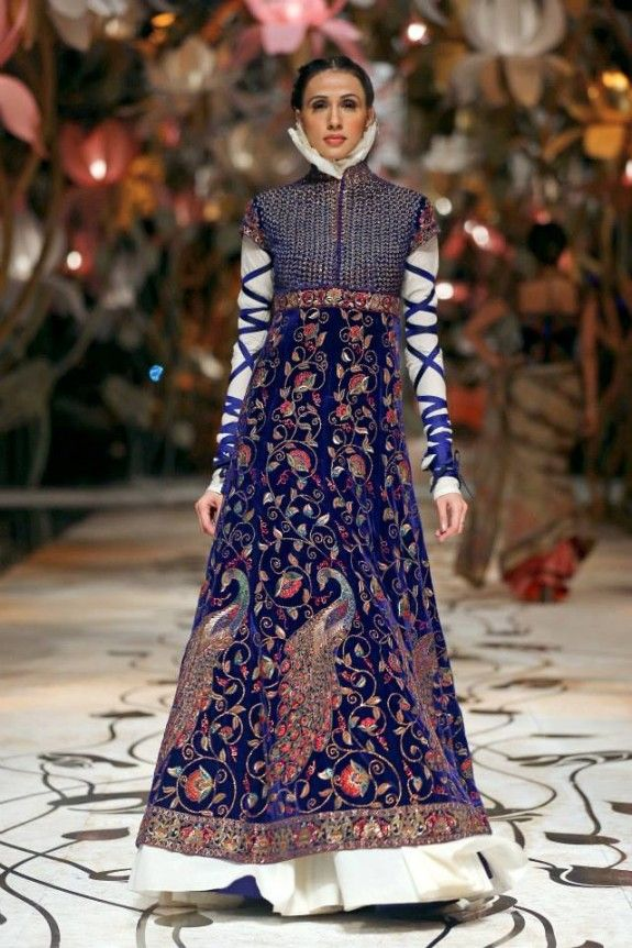 Rohit Bal's Mulmul Collection at Aamby Valley India Bridal Week Delhi 2013
