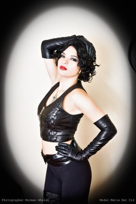 Mum LEATHER FETISH LEATHER GLOVES has alluring