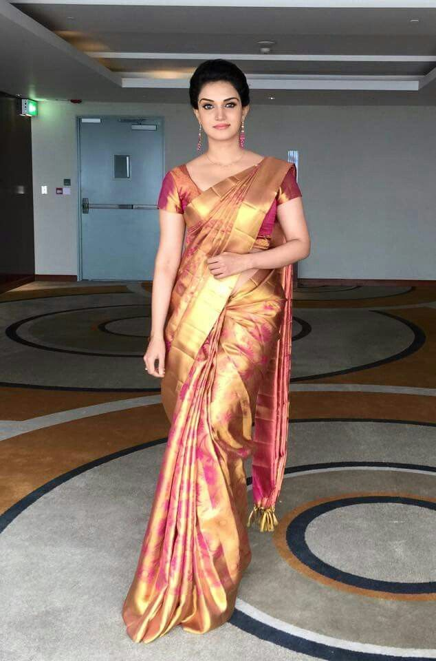 Honey Rose in Saree- I'm gonna pin this just coz the saree is nicely pleated/draped and blouse is well tailored.
