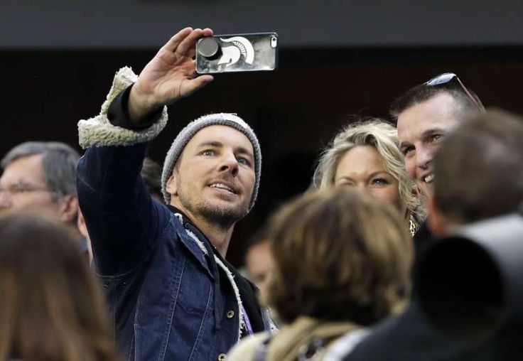 Super Bowl LII - February 4, 2018:  SELFIE TIME -  Actor Dax Shepard takes selfie on the sideline, before the game between the Eagles and the Patriots on Feb. 4 in Minneapolis.