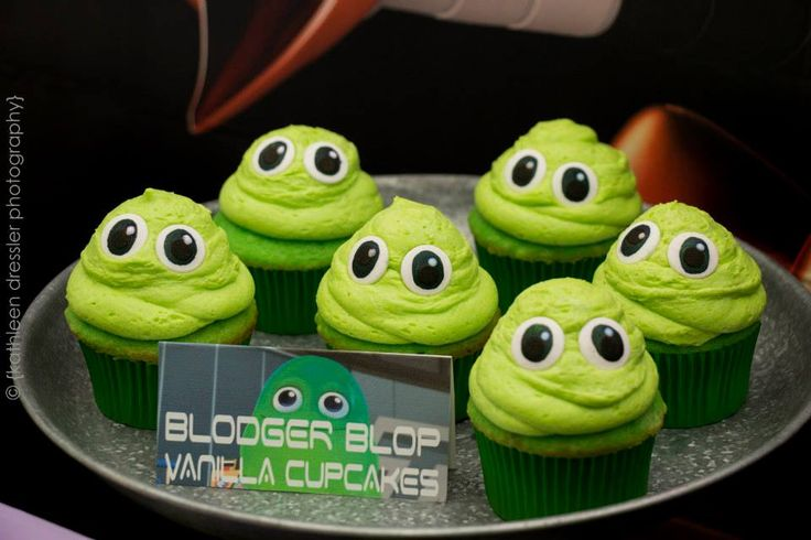 Miles from Tomorrowland Blodger Blop cupcakes