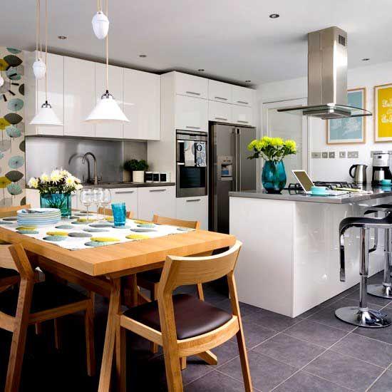 Traditional-Kitchen-Floor-Tile--Design-Patterns