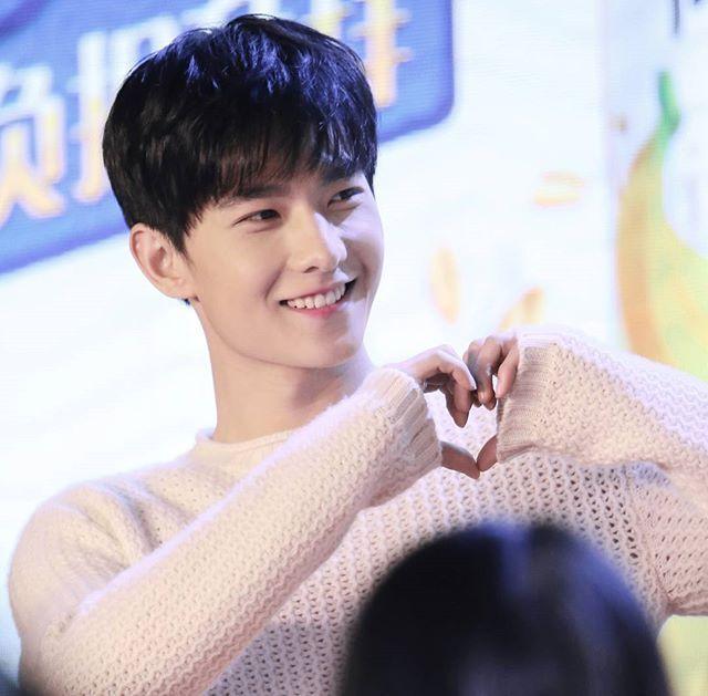 #杨洋 #杨洋icon #yangyang 20161222桂格见面会,Cr:WHXicon,一个甜boy