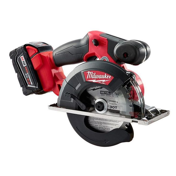 rrbuildings@milwaukeetool just released a new saw to their line up that I'm excited for. The new brushless FUEL m18 cordless metal cutting saw. Milwaukee is claiming it to be the fast cordless metals saw on the market. Can't wait to give it a try! .