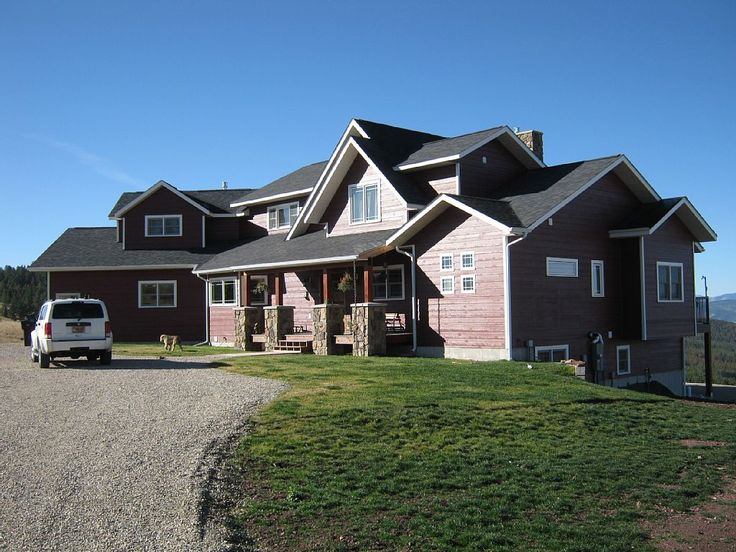 VRBO.com #615334 - Forest Edge Inn ~ Premier Vacation Rental at Georgetown Lake--10 beds available, with some room sharing. At eight people, it would be 94.00 a night. 2 night min stay.
