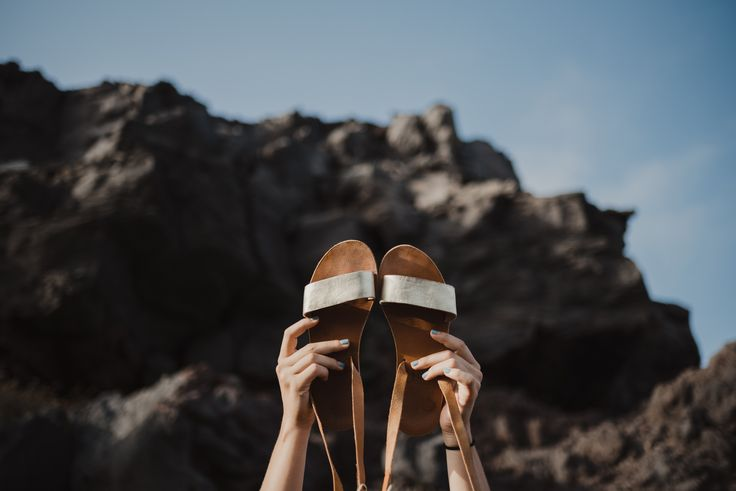 Rue Sandals. The simple style and gold detail is minimalist yet chic.  #sandals