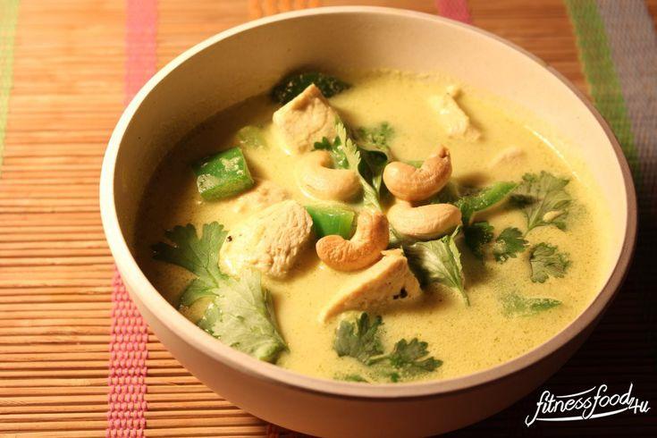 Umso unfreundlicher und kälter das Wetter da draußen ist, umso wärmender sollte das Essen sein. Und daher geht Nichts über eine wärmende Suppe, die uns an Urlaub denken lässt... :-) Und das ist mög...