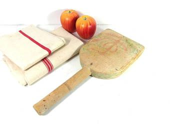 Wooden paddle board, herb cutting board, farmhouse kitchen, French vintage kitchenware, French country decor, boho decor, French chic.