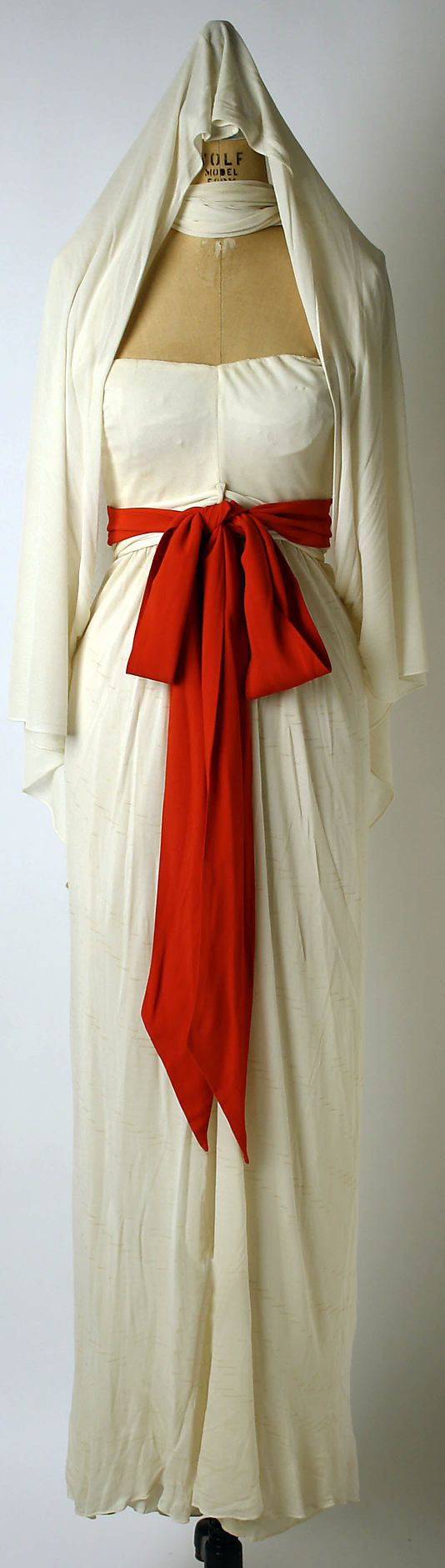 Evening Dress, Evening Gown, Splendid Evening Dress Design, Fashion Designer, Evening Dress Designer, Miracle Gown    Valentina (American, born Russia, 1899–1989)  Date: 1945 Culture: American Medium: silk
