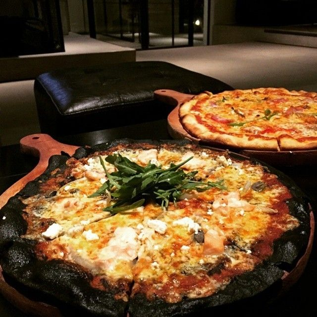 #pengenkuliner ? coba dong  makanan di @societycomplex    difoto sama:  #penggemarkuliner @vennymslin   Loc: Jl. Sumatra 40 surabaya . ####pizza.jpg