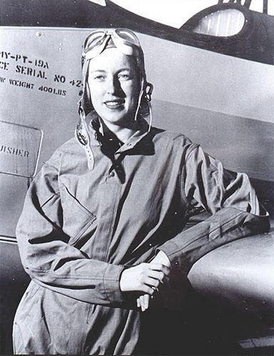 21 Mar 43: Women's Auxiliary Ferrying Squadron (WAFS) pilot Cornelia Fort is killed during an aircraft ferrying mission in Texas, becoming the first female pilot in American history to be killed in active military duty. She was a civilian instructor pilot at an airfield near Pearl Harbor on 07 Dec 41. #WWII #History