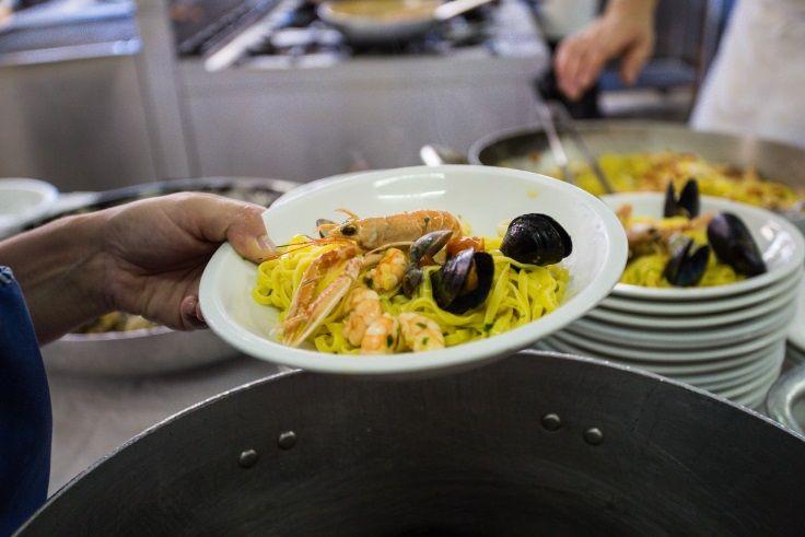 La nostra ricetta del #tagliolino allo scoglio.  #HotelTabor condivide con voi la ricetta di famiglia. http://www.hoteltabor.it/blog/ricette-cucina-romagnola/tagliolini-allo-scoglio-695