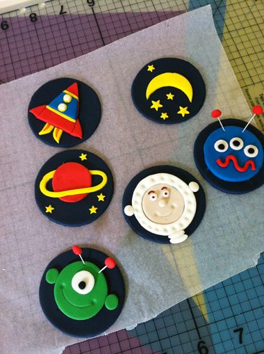 How to make Space cupcake toppers