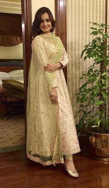 Dia Mirza in a Tamanna Punjabi Kapoor suit and Fizzy Goblet juttis