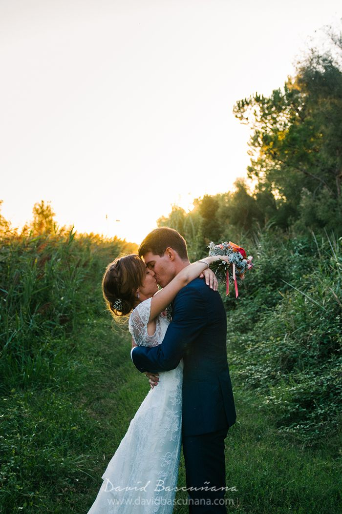 Photo de mariage, couple, golden hour, contre-jour, par David Bascunana