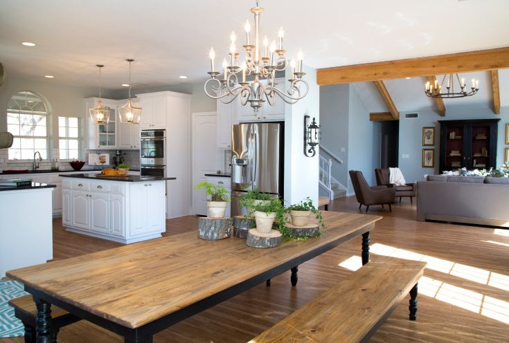 As Seen On Hgtv S Fixer Upper Long Farmhouse Dining Room