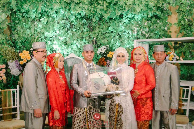 Sarah Wulan Wedding oleh LAKSMI - Kebaya Muslimah & Islamic Wedding Service • Gaun pengiring pengantin | Bridal | Bridestory di Indonesia | Bridestory