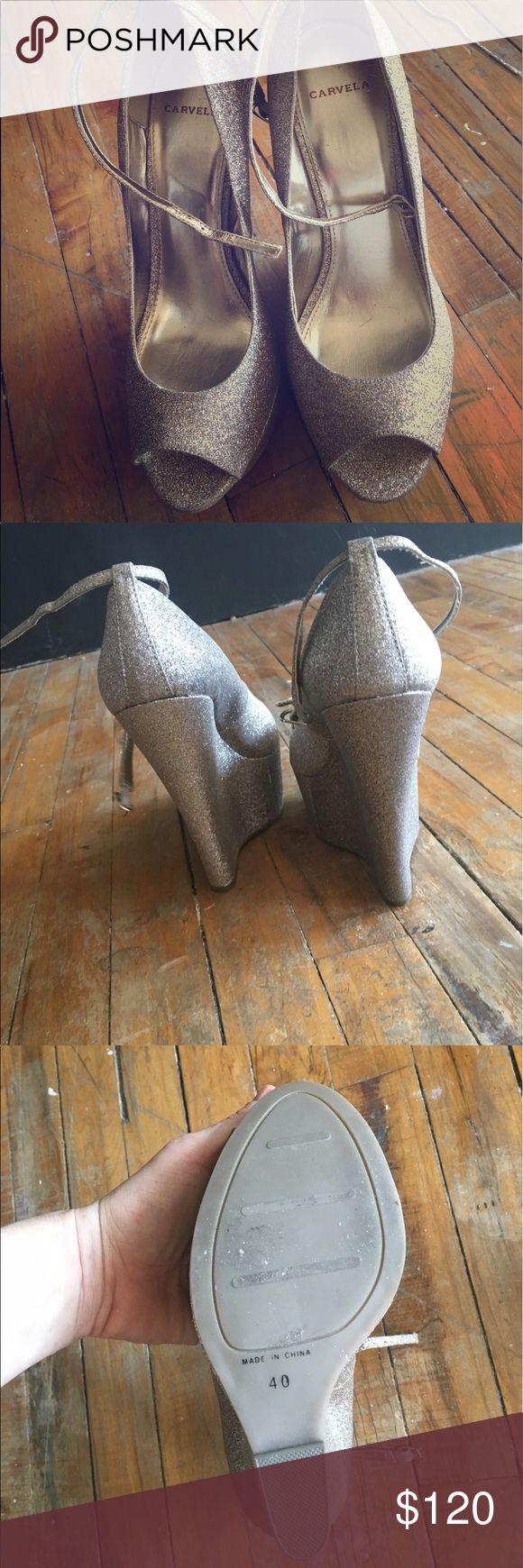 """Brand new gold sparkle Carvela 9 US/40 U.K. Never worn, peak-a-boo toe gold sparkle 6"""" Carvela wedges purchased at Kurt Gieger, London!! carvela Shoes Wedges"""